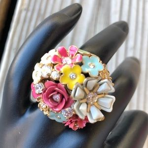 WOW! Fabulous Juicy Couture Floral Ring!